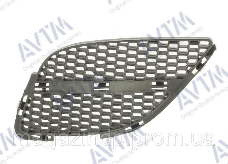 Решетка радиатора Nissan Almera N16 2002-2006 лев.без хром.накладки Код товара: 3799849