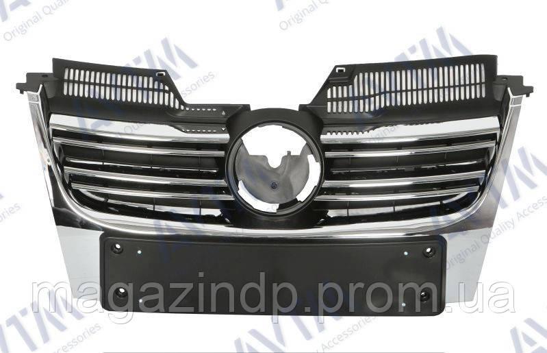 Решетка радиатора Volkswagen Golf V Combi/ta 2007-2009 без молдингов, без хром.накладок Код товара: 3799871