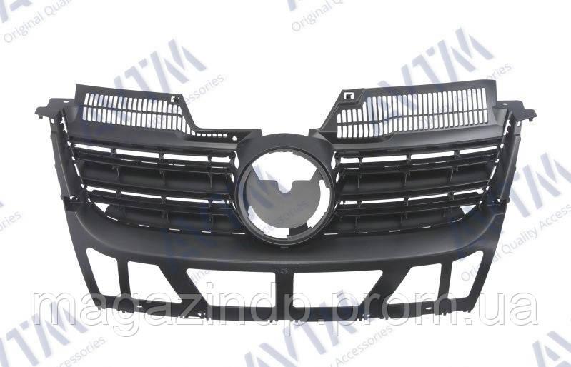 Решетка радиатора Volkswagen Golf V Combi/ta 2007-2009 с хром.молдингами и хром.накладкой Код товара: 3800124