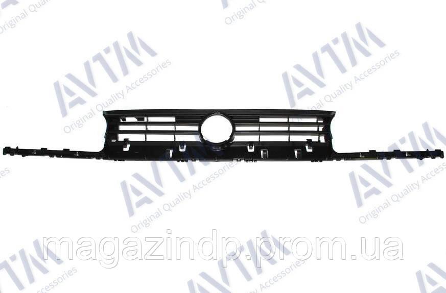 Решетка радиатора Volkswagen Golf III 1991-1997 черн. Код товара: 3800222