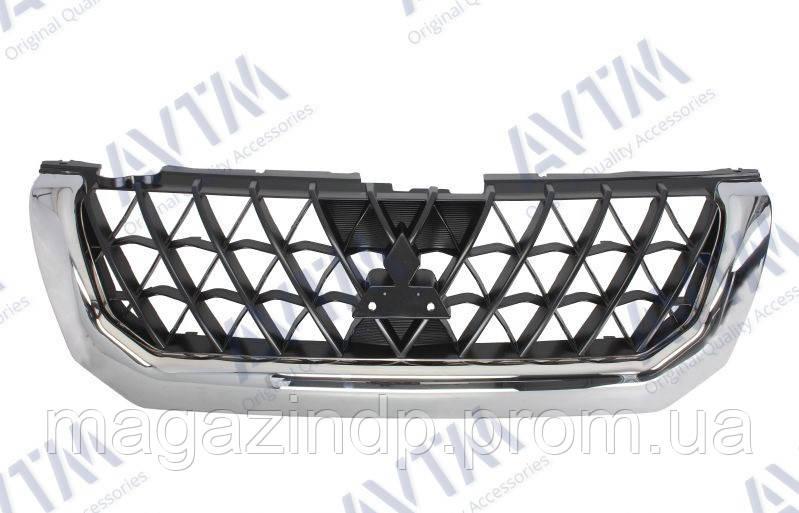 Решетка радиатора Mitsubishi Paje Sport 2000-2004 хром./черн. Код товара: 3800237