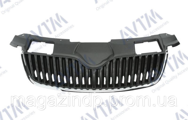 Решетка радиатора  Fabia/omster 2007-2010 нижн.рант-хром. ребра-черн. Код товара: 3800247