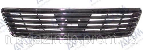 Решетка радиатора Nissan  (A32) 1995-2000 узкий хром. Код товара: 3811630