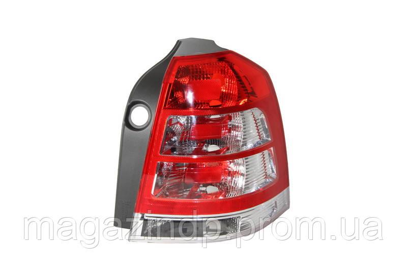 Фонарь задний Opel Zafira B 2008-2011 правый  442-1960R-UE Код товара: 3819404