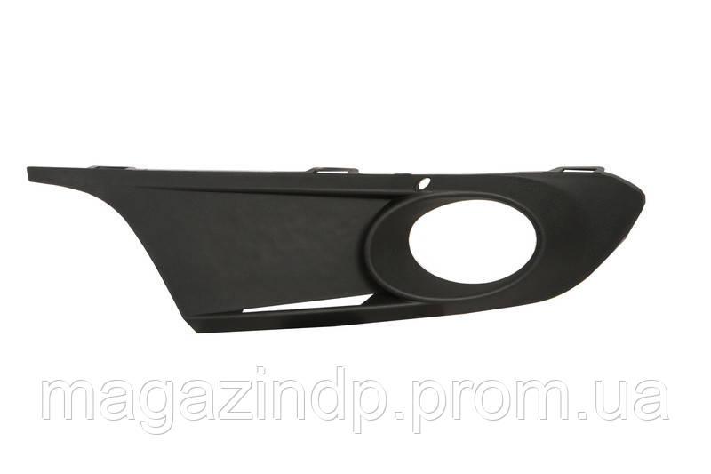 Решетка в бампер Volkswagen ta VI 11-14 правая с отверстиями для противотуманок  7430 912, 5C6853666A9B9 Код товара: 3822648