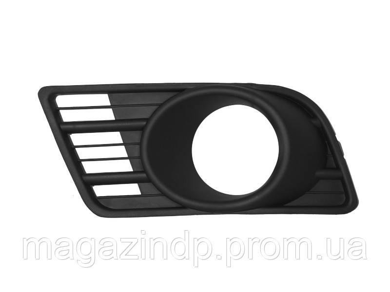 Решетка в бампер Suzuki Swift 07-10 правая с отверстиями для противотуманок  6814 998 Код товара: 3822688