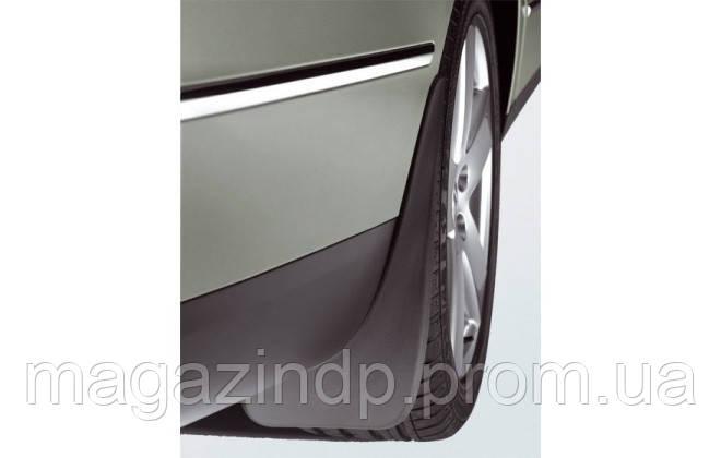Брызговики задние для Volkswagen Pass B6 2005-2011 оригинальные 2шт 3C0075101A Код товара: 3823977