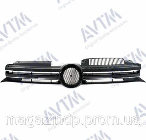 Решетка радиатора Volkswagen Golf VI 2009-2012 закрытая, черн/хром. Код товара: 3824029