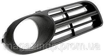 Решетка в бампер  Fabia 05-07 правая с отверстиями для противотуманок 6406 916 Код товара: 3825275