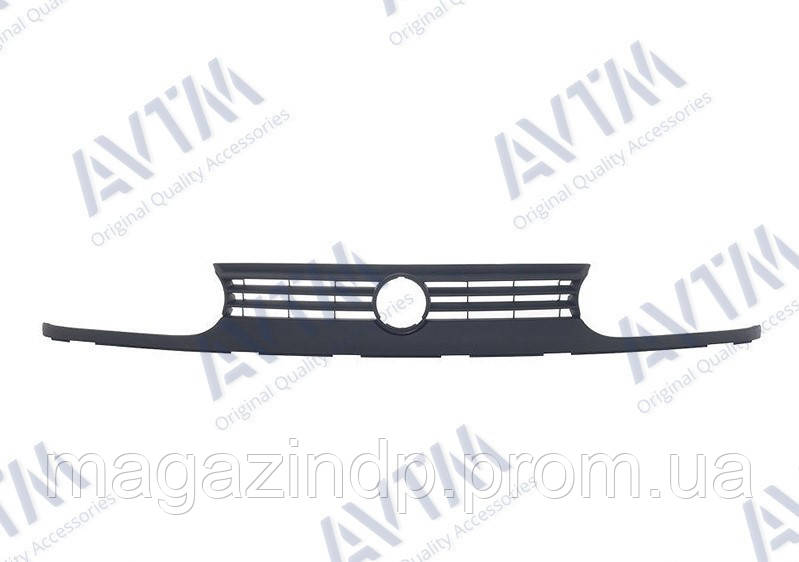 Решетка радиатора Volkswagen Golf III 1991-1997 + полоска, цельнолитая Код товара: 3849590
