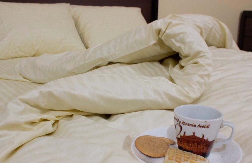 Полуторное постельное бельё (страйп сатин)