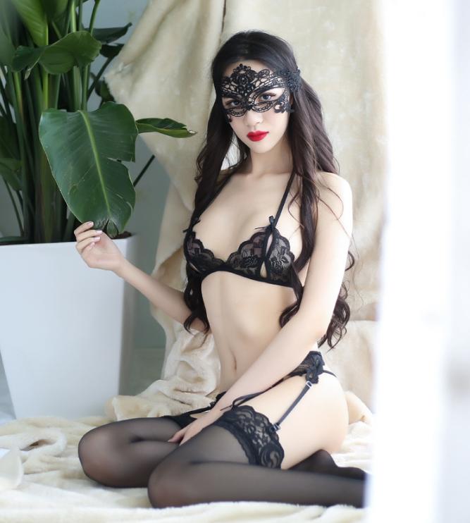 Сексуальный комплект с поясом для чулок, черный