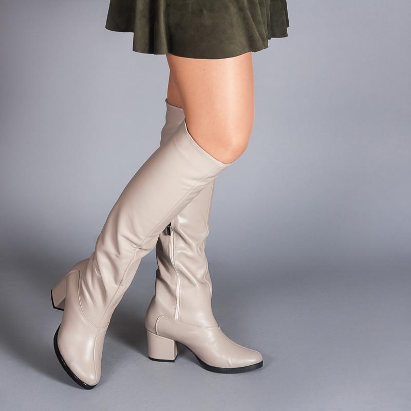 Кожаные бежевые сапоги на комфортном каблуке. Пошив в любом цвете по личным меркам