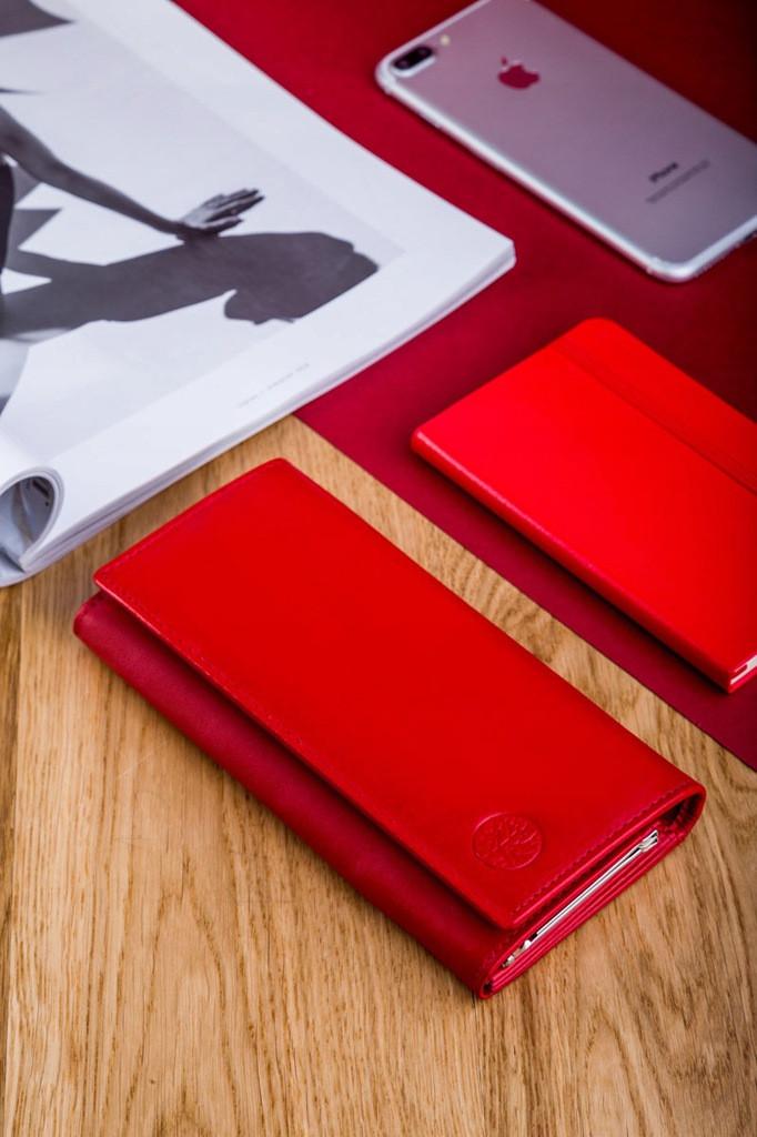 Жіночий шкіряний гаманець Betlewski з RFID 17,5 х 8,5 х 2,5 (BPD-DZ-13)- червоний