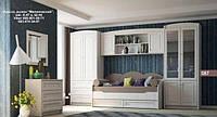 Спальный гарнитур, кровать, комод, стол, тумба, зеркало