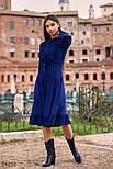 Расклешенное платье-миди с рюшами синее, фото 3