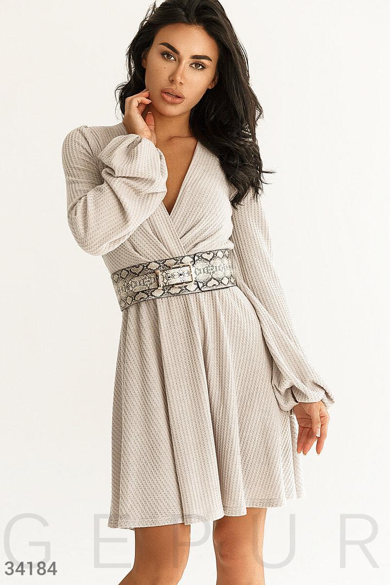 Короткое расклешенное платье из тонкого трикотажа