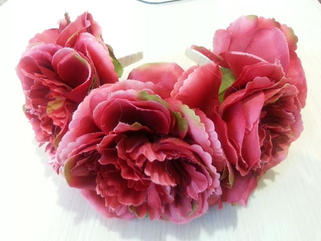 Яскравий ободок з квітами