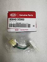 Выключатель концевой педали сцепления нижний киа Соренто 1, KIA Sorento 2003-08 BL, 938403e000