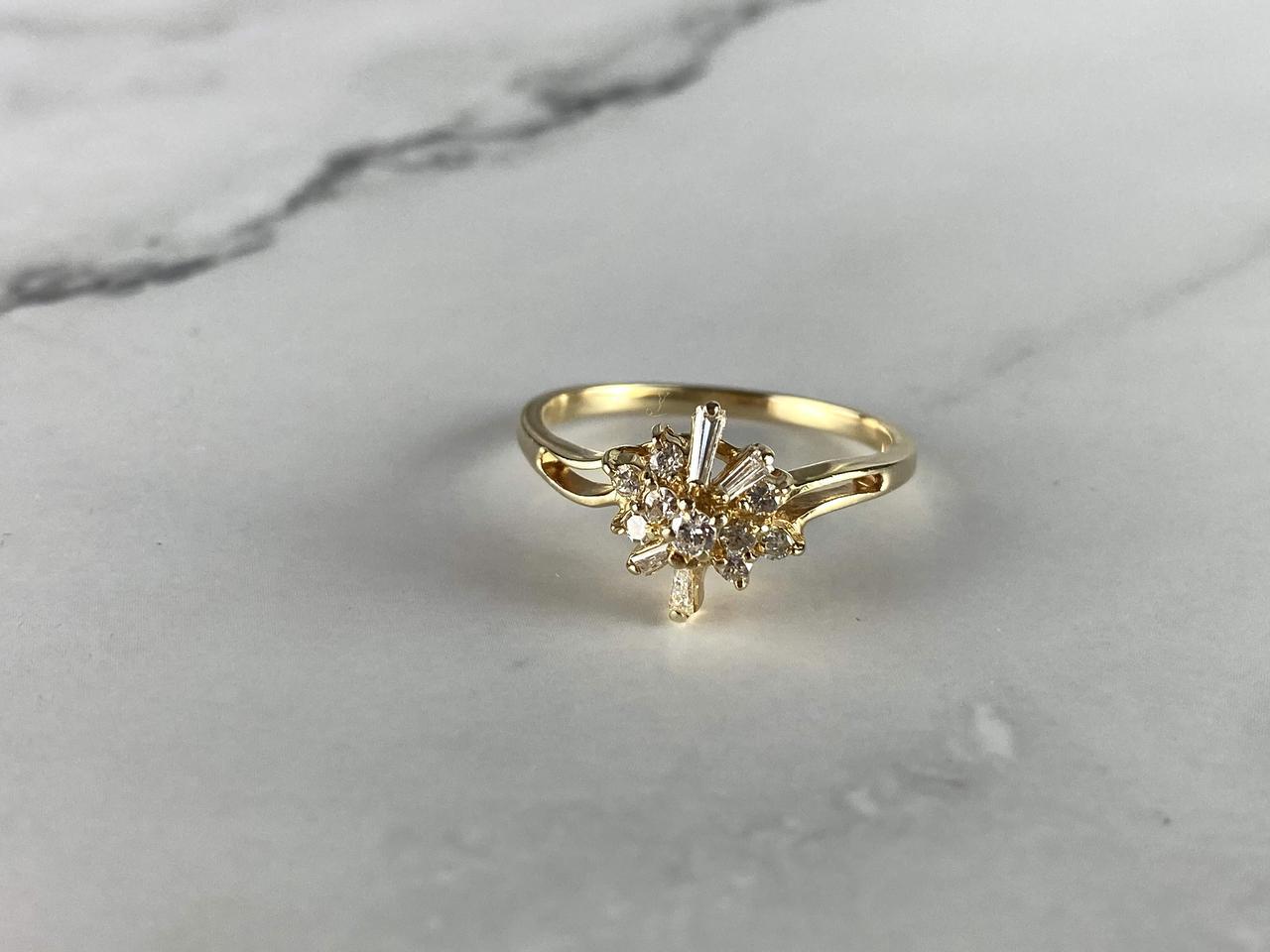 Золотое кольцо 14К (585 проба) с Бриллиантами и Сапфирами