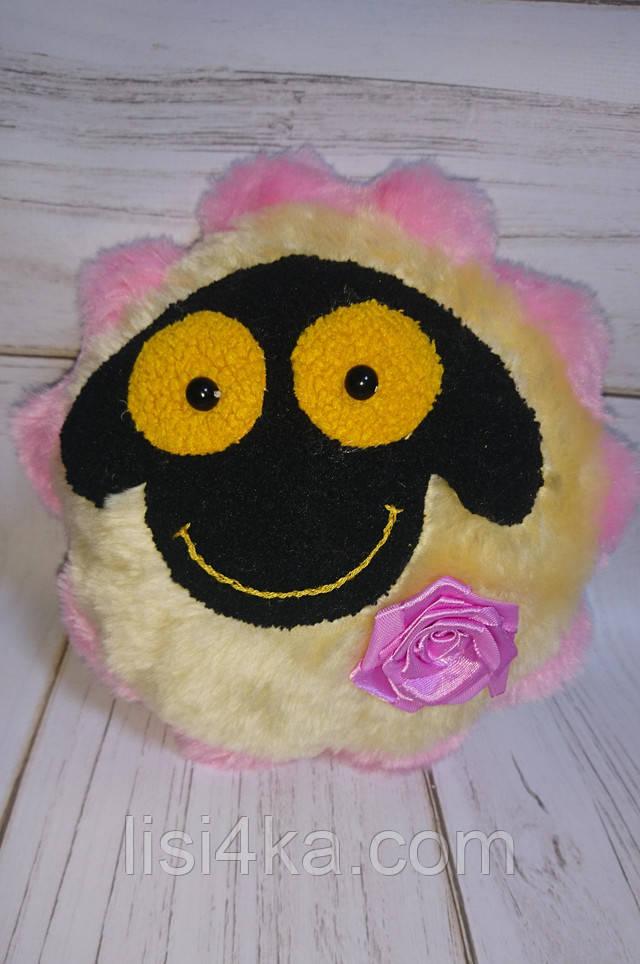 Интерьерная текстильная игрушка ручной работы в виде овечки