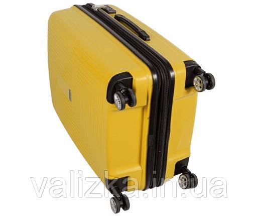 Валізу з ударостійкого поліпропілену пластиковий великого розміру Airtex 241 на 4-х колесах жовтого кольору., фото 2