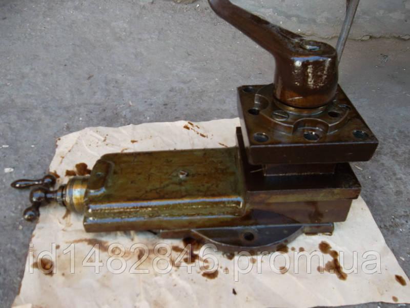 Верхние салазки, малая продольная подача в сборе с резцедержателем токарного станка 1А62