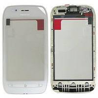 Оригинальный тачскрин / сенсор (сенсорное стекло) с рамкой для Nokia Lumia 710 (белый цвет)