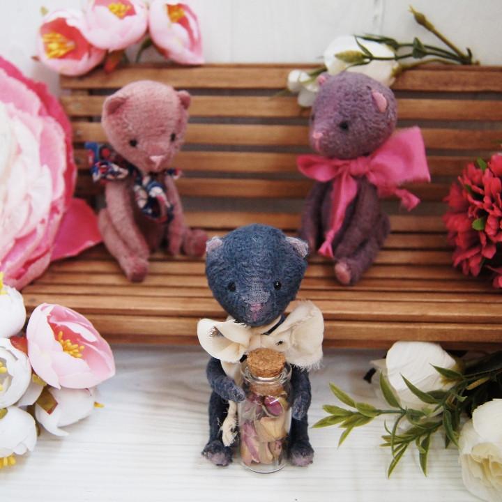 Маленькие цветочные мишки Тедди