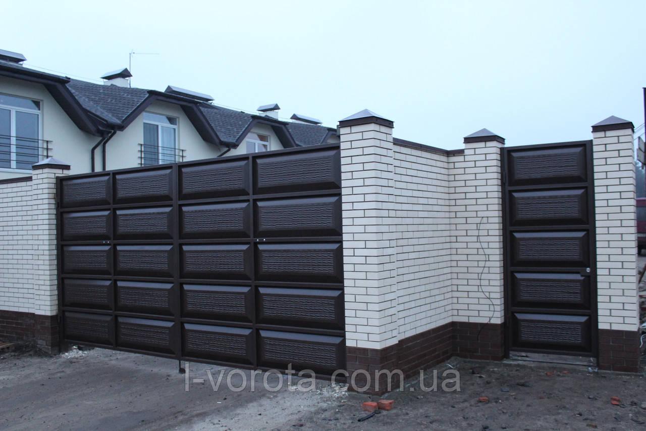 Ворота распашные ш4500, в2500 и калитка ш1000, в2500  (дизайн филенчатые ворота, шоколадка)