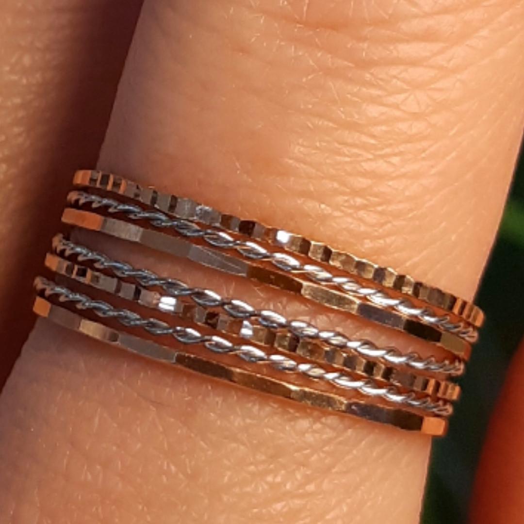 Золотое кольцо Неделька - Женское золотое кольцо без камней