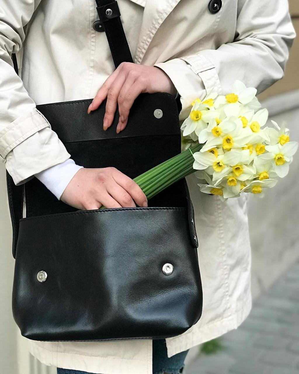 Шкіряна сумка крос-боді «Cross Black» жіноча чорна (25x19 см) з косметичкою ручної роботи