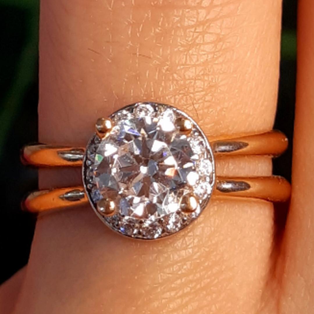 Золотое кольцо с фианитом - Золотое кольцо на помолвку