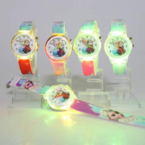 """Дитячий наручний годинник з підсвічуванням """"Крижане серце"""", фото 2"""