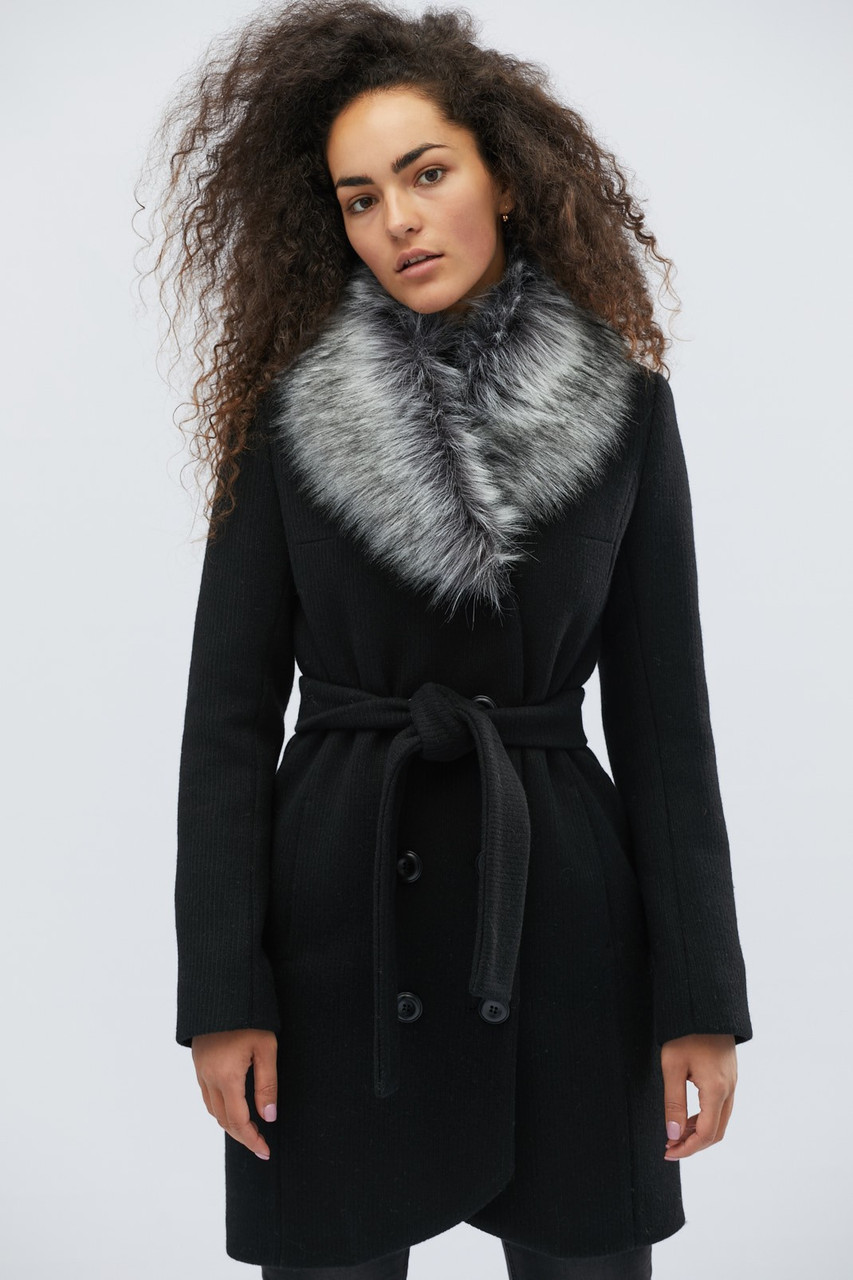 Шерстяное зимнее пальто с поясом