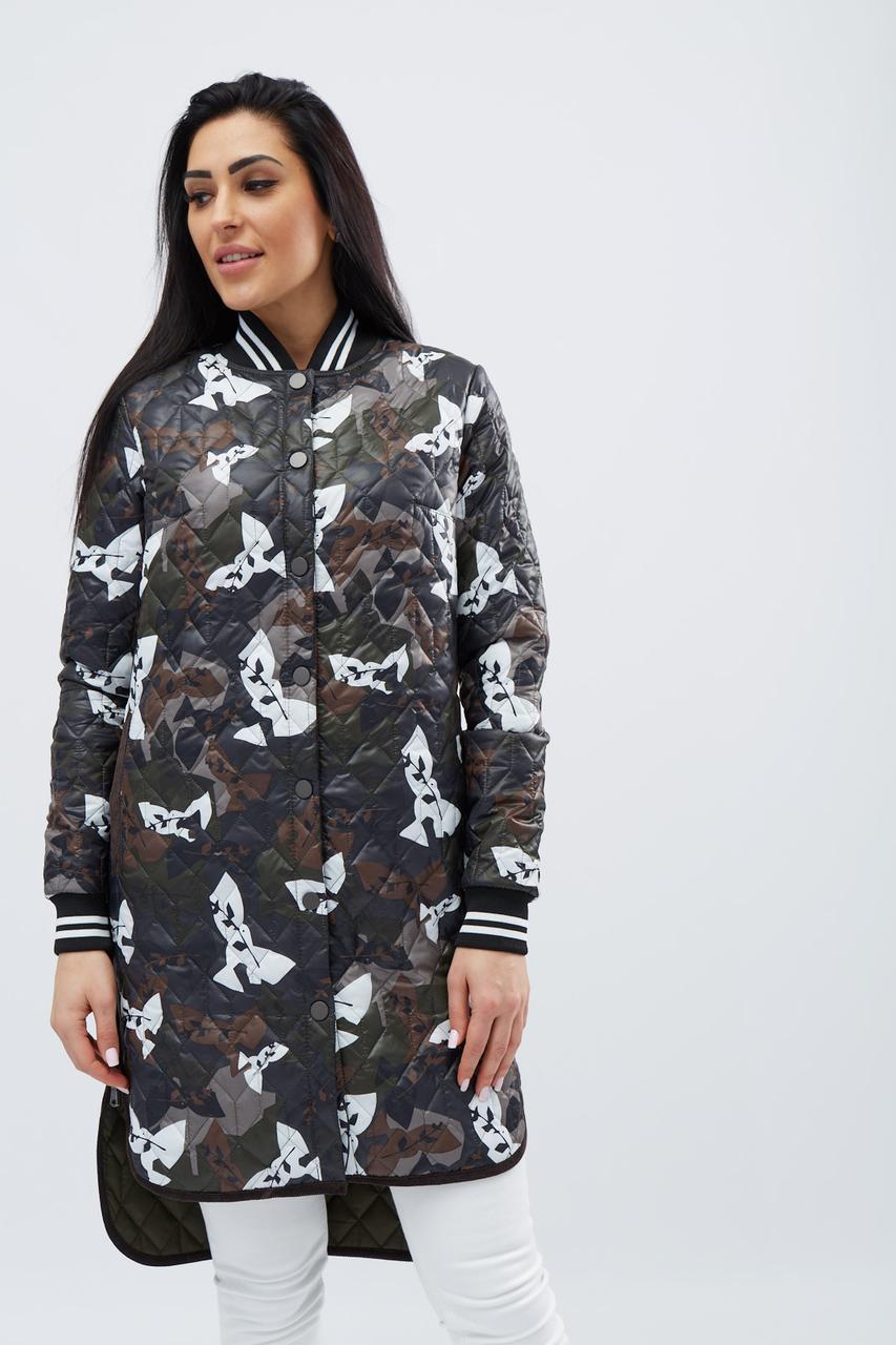 Демисезонная стеганная куртка на кнопках прямого кроя