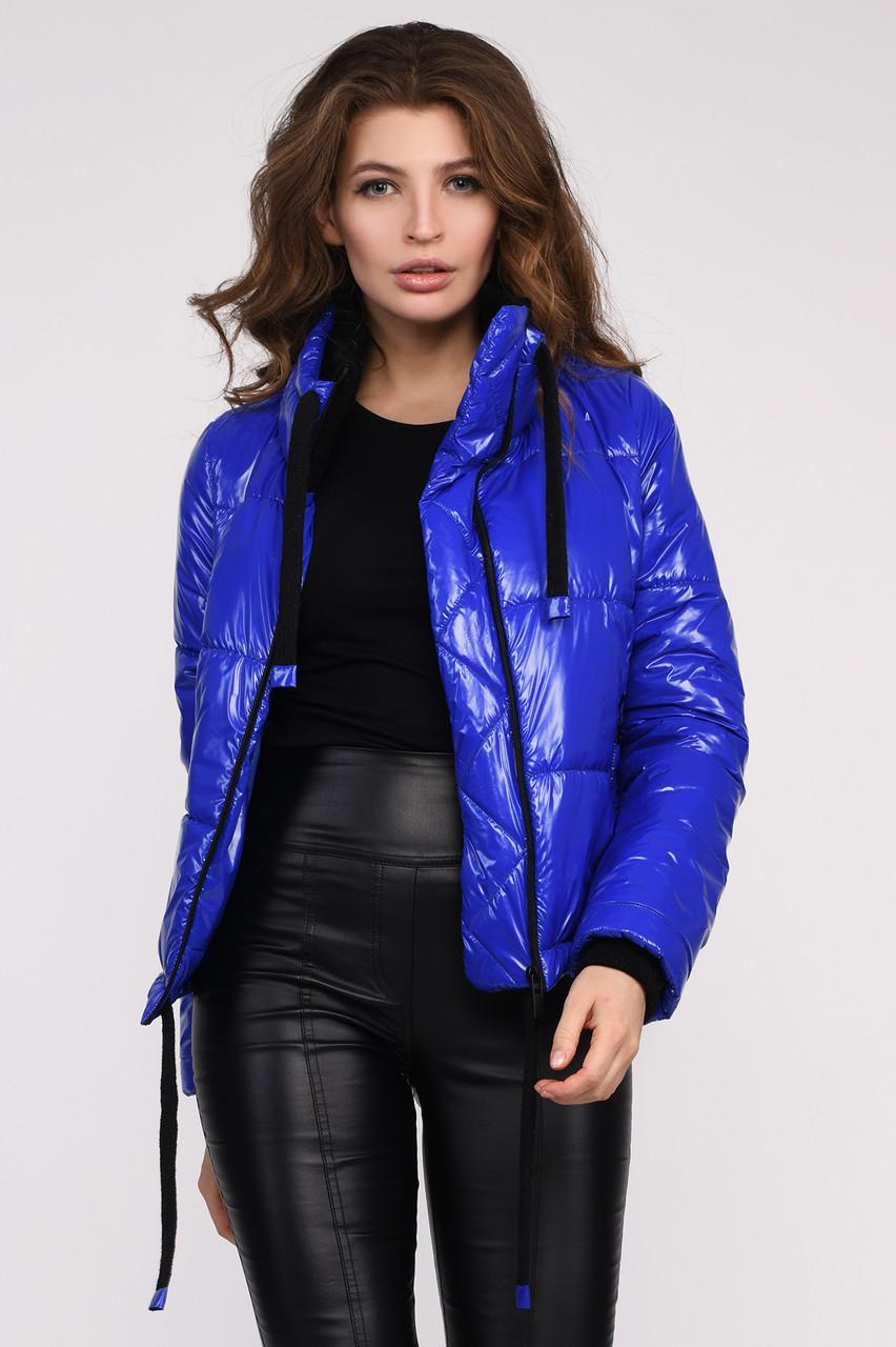 Женская демисезонная куртка с широким воротником-стойкой