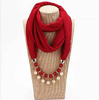 Шарф шифоновый снуд с ожерельем из бусин Красный