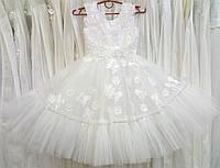 5.121 Нежное белое нарядное детское платье-маечка с бабочками на 5-6 лет