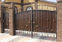 Ворота з профнастилом і кованими елементами