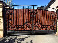 Ковані ворота з хвірткою та профнастилом