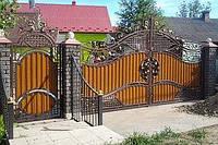 Ковані ворота з профнастилом та з елементами ковки