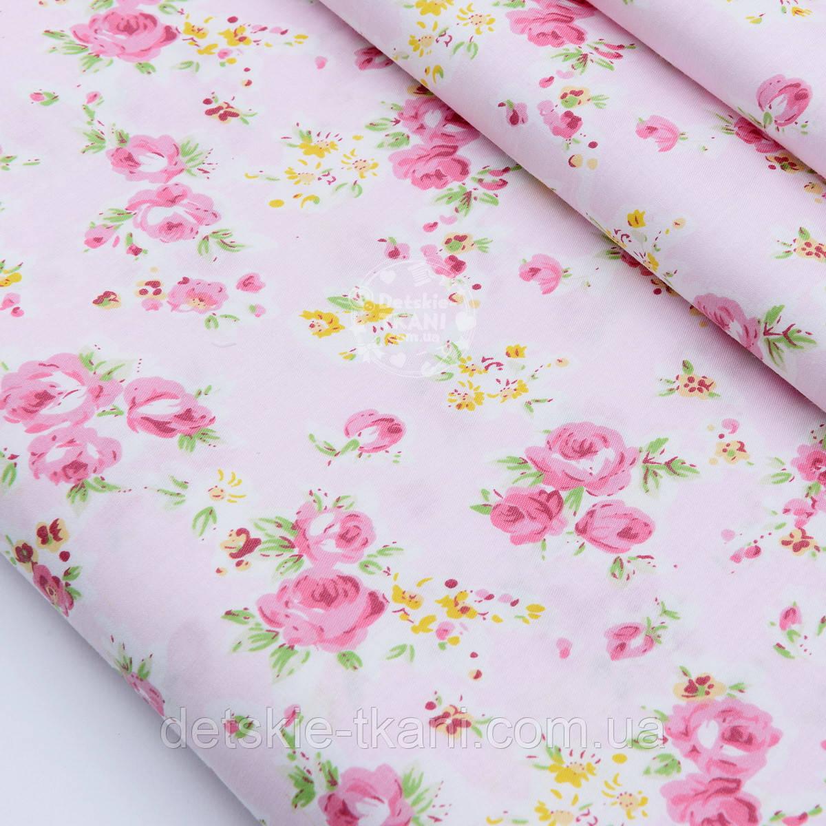 """Лоскут сатина """"Розовые розочки и жёлтые маленькие цветочки"""" на розовом, № 1746с, размер 37*62 см"""