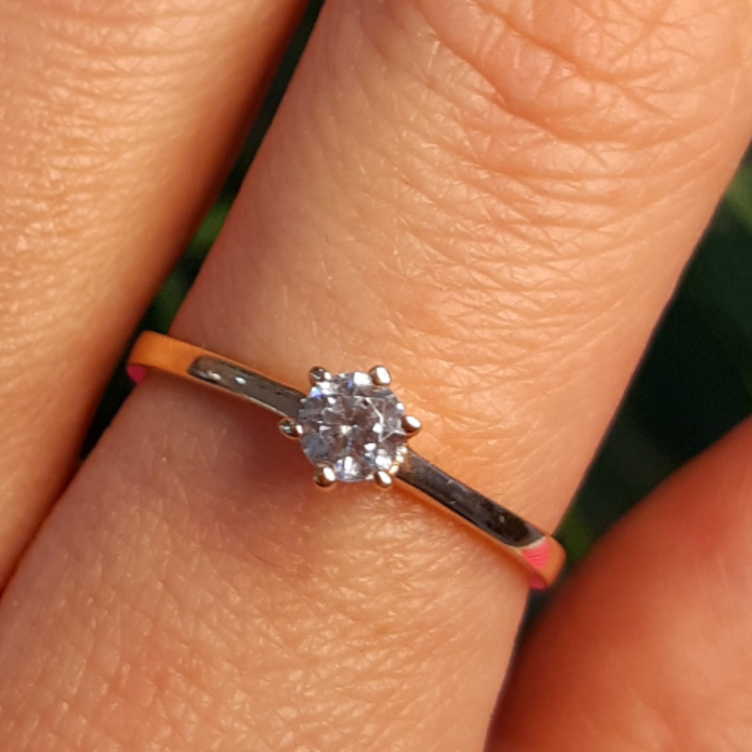 Золотое кольцо с одним камнем - Золотое кольцо с одним цирконием