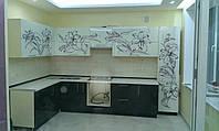 Кухня со стеклянными фасадами верх и низ, фото 1