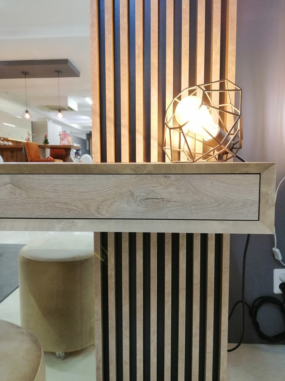 Дамский стол с зеркалом  Sherwood Endgrain
