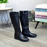 Демисезонные кожаные сапоги на низком ходу, декорированы ремешком, фото 8