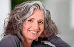 Старение волос: механизмы, признаки и причины