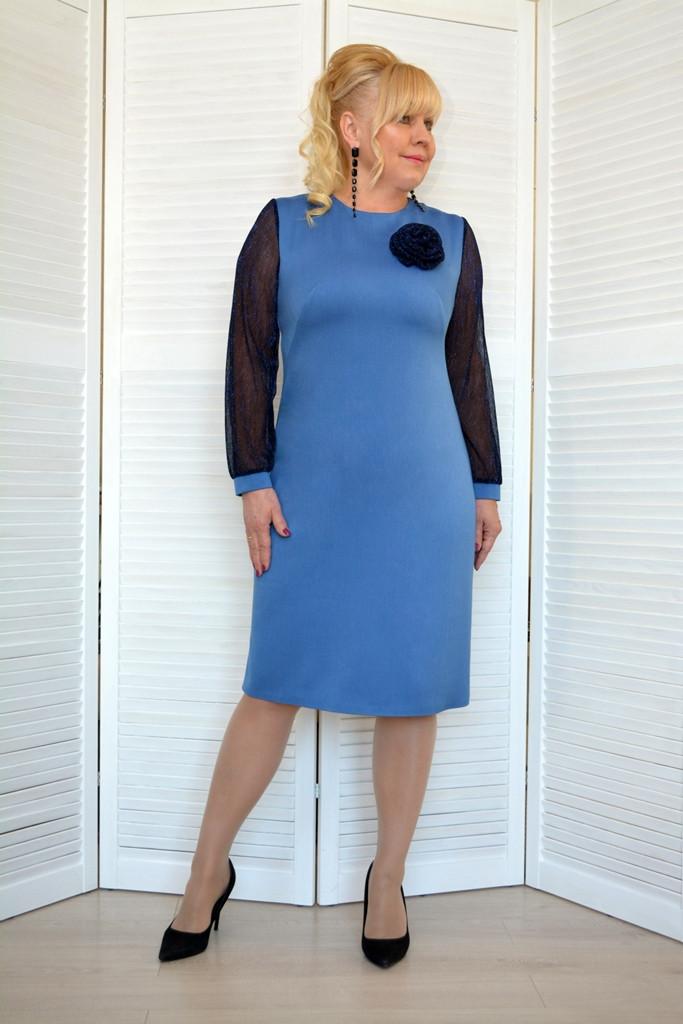 Платье голубое с брошью роза - Модель 1809 ( 50 размер )