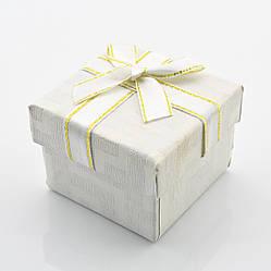 Коробочка для кольца-серег 741127 белая, размер 5*4 см